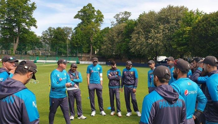 ٹیم پاکستان کی وارم اپ میچ سے قبل پریکٹس