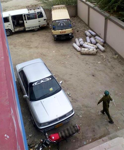 سندھ میں سی این جی لگی مسافر گاڑیوں کیخلاف کارروائی