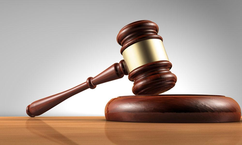 جج پر حملہ کرنے والے وکیل کو ساڑھے 18 سال قید کی سزا