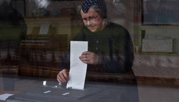 یورپین پارلیمنٹ کے انتخابات ، نیدرلینڈز اور برطانیہ میں ووٹنگ جاری