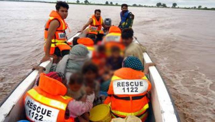 میانوالی،موٹر سائیکل نہر میں گرنے سے 2 بچے لاپتہ