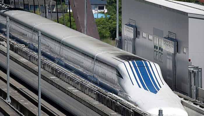 دنیا کی تیز ترین ٹرین چین میں؟