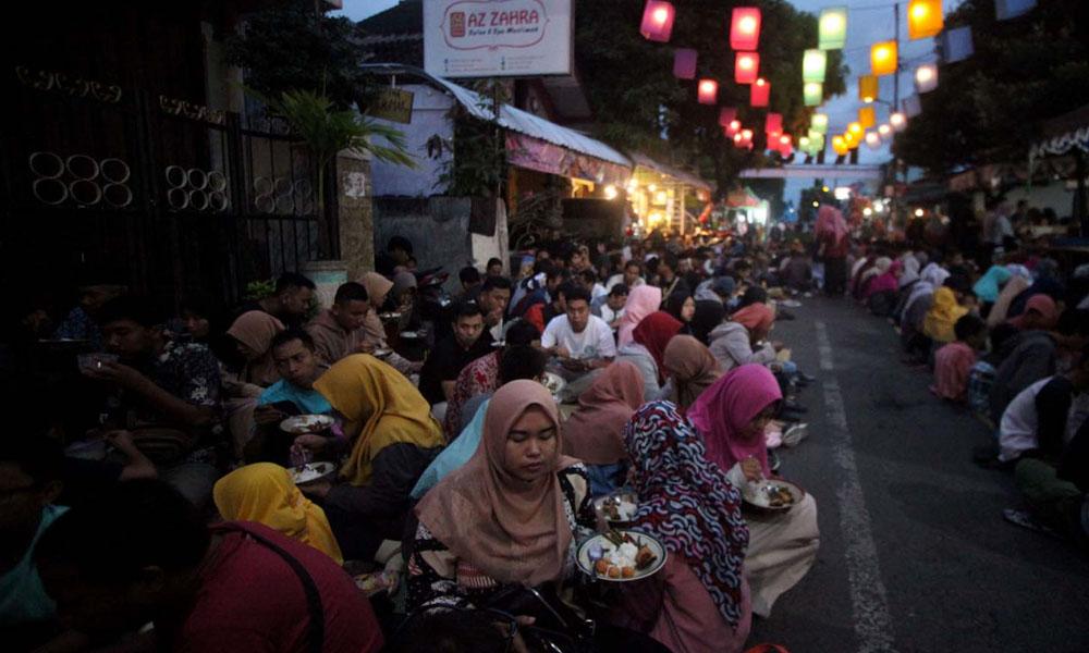 انڈونیشیا، روزانہ 3 ہزار روزداروں کی منفرد افطاری