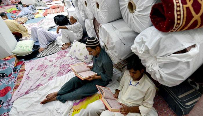 لاکھوں مسلمان آج سے اعتکاف شروع کریں گے