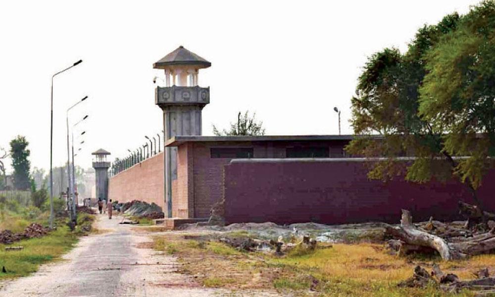 جیل سپرنٹنڈنٹ ساہیوال کیخلاف ایلیٹ فورس سڑکوں پر آ گئی