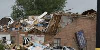 Tornado Flattened Oklahoma Hotel 2 Dead Many Missing