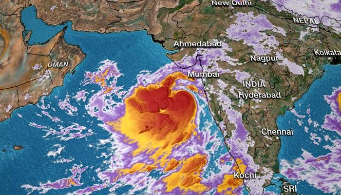 طوفان 'وایو' کل بھارتی گجرات سے ٹکرائے گا