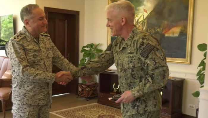کمانڈر یو ایس نیو سینٹ کی پاک بحریہ کے سربراہ سے ملاقات