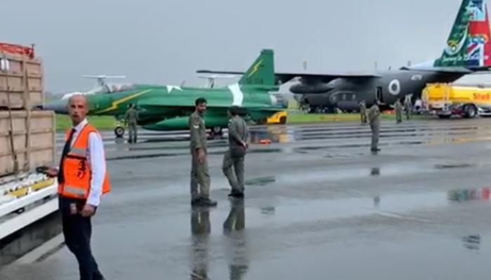 جے ایف 17 تھنڈر کی پیرس ایئر شو میں شرکت