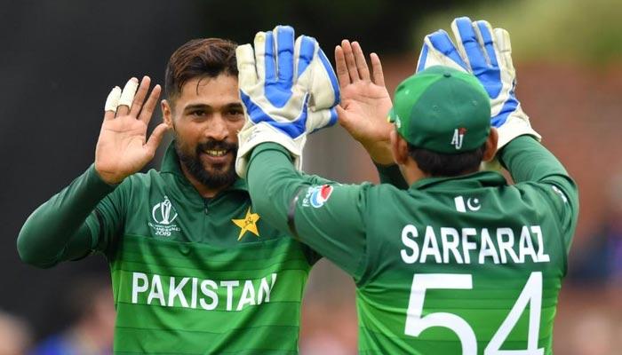 ہدف کے تعاقب میں پاکستان کی بیٹنگ جاری