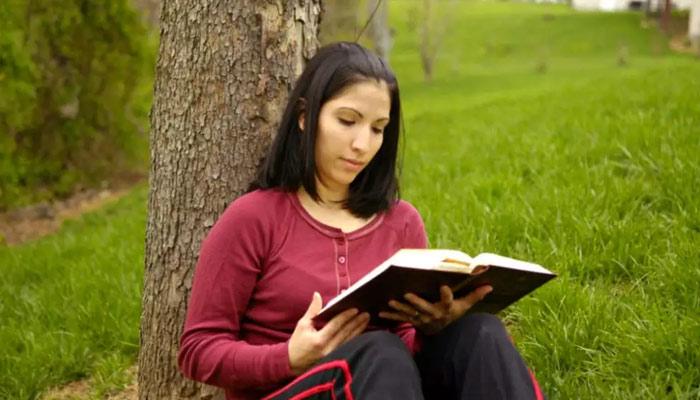 زندگی پر کتب بینی کے گہرے اور مفید اثرات