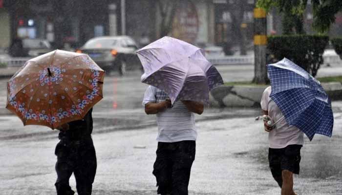 چین میں شدید بارشیں، ہلاکتوں کی تعداد 61 ہو گئی