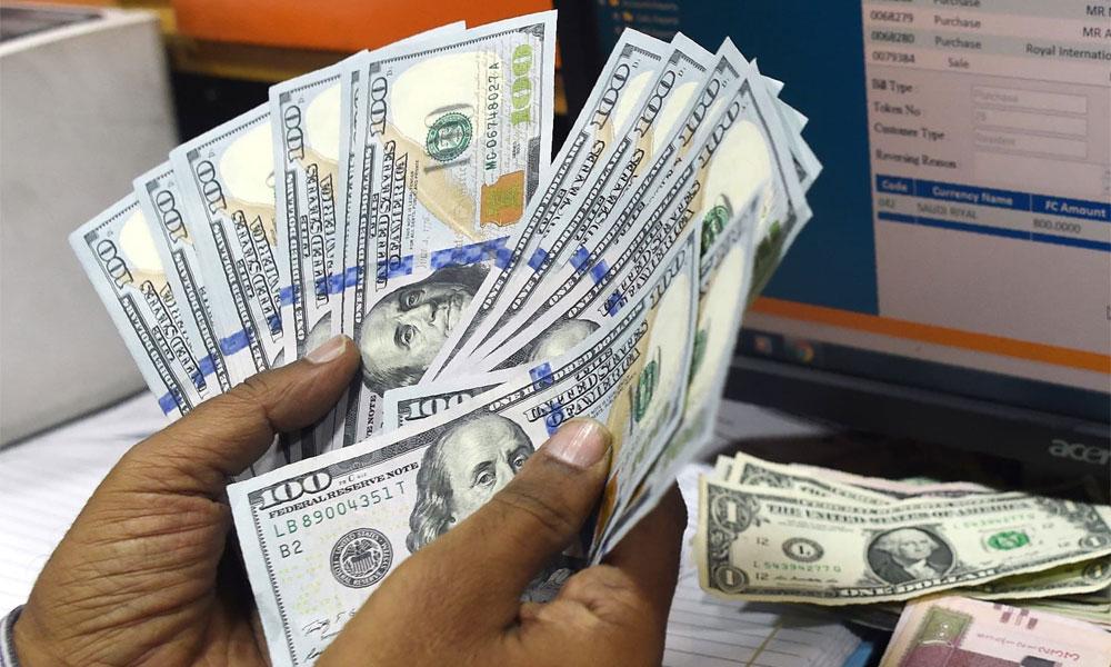 ڈالر کی پھر اڑان، روپیہ مزید بے توقیر