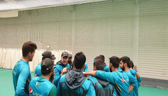 پاکستان ٹیم کا پریکٹس سیشن، گرائونڈ آتے ہی تیز بارش