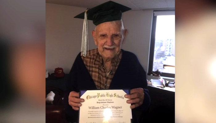 94سالہ امریکی بزرگ نے گریجویشن کر لیا