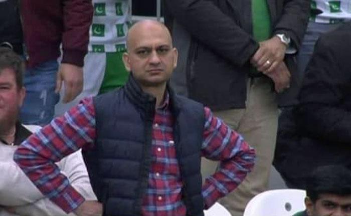 کیچ چھوٹنے پر مایوس ہونے والا پاکستانی اسٹیڈیم میں موجود