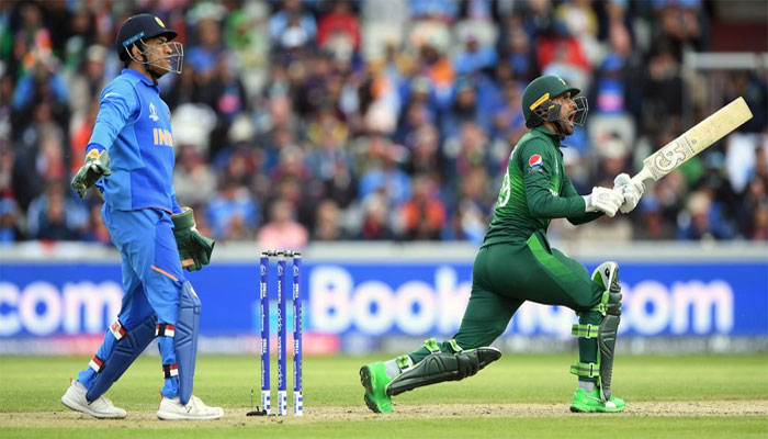 بھارتی ہدف کے تعاقب میں پاکستانی بیٹنگ جاری