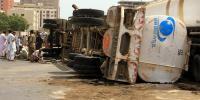 Oil Tanker Over Turn In Rajanpur Oil Leakage Start