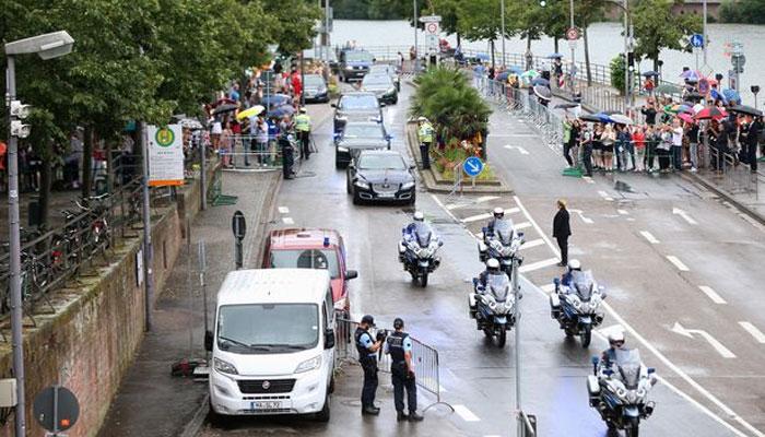 شہزادہ ولیم کے قافلے میں شامل گاڑی کی ٹکر سے خاتون شدید زخمی