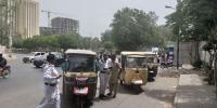 Crackdown Against Rikshaws In Karachi