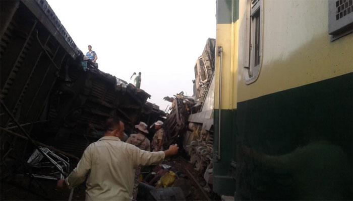 حیدرآباد: رینجرز کی امدادی ٹیمیں جائے حادثہ پر پہنچ گئیں