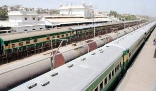Hyderabad Two Trains Collided Head On Feared Deaths