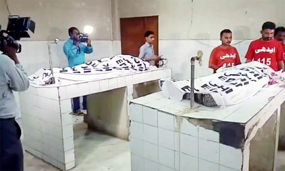 کراچی، اپنے ہی ساتھیوں کی فائرنگ سے 2 ڈکیت ہلاک