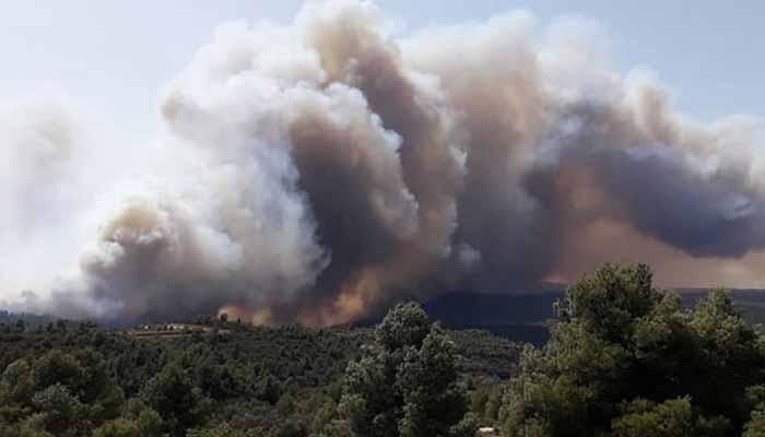 اسپین: کتالونیا میں لگی آگ اب تک بے قابو