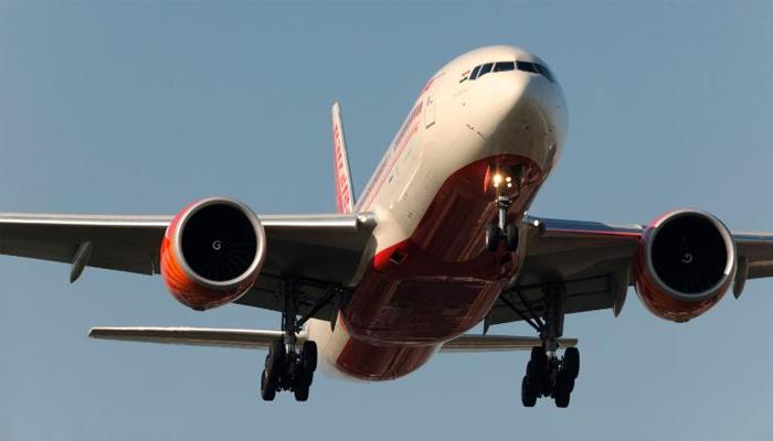 بھارتی طیارے میں بم کی اطلاع