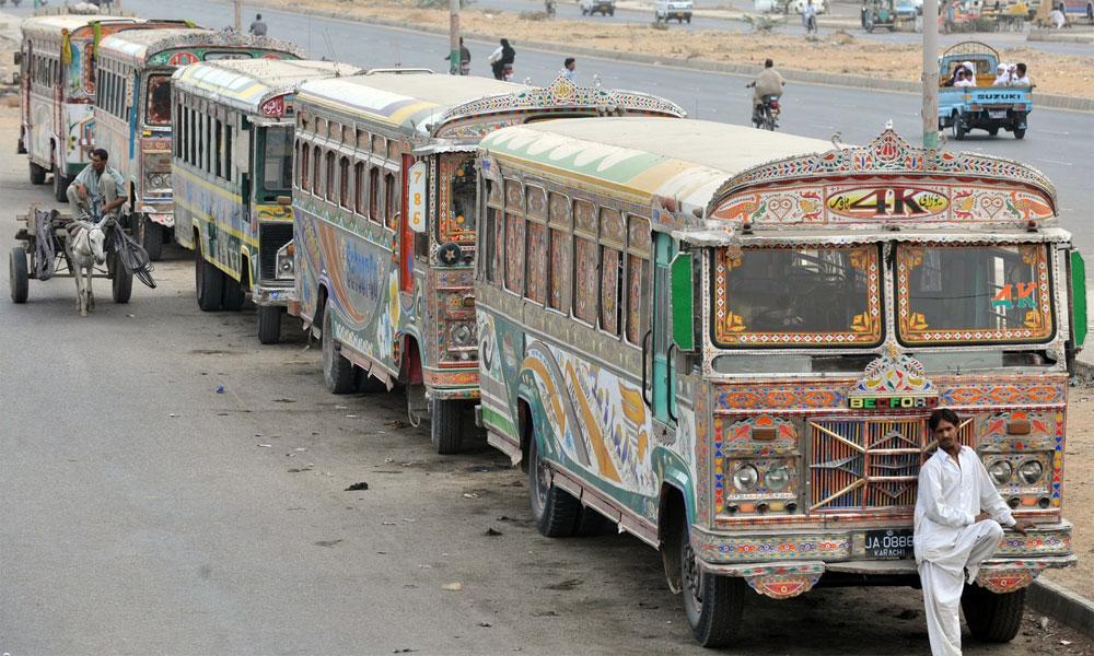 کراچی میں سی این جی مہنگی ہونے پر بسوں کی ہڑتال