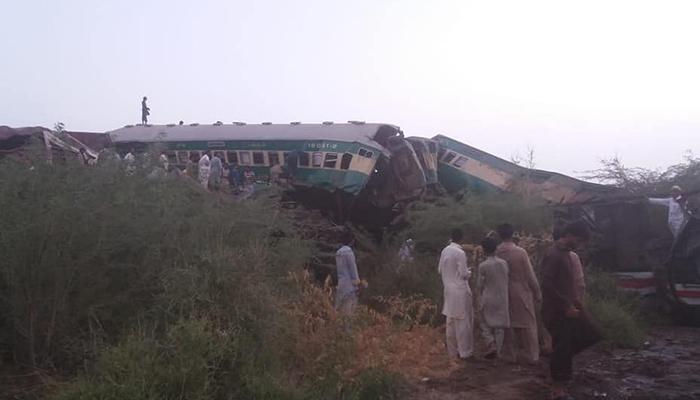 رحیم یارخان: اکبر ایکسپریس کو حادثہ، 9 مسافر جاں بحق
