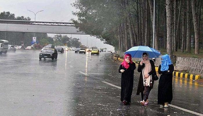 پنجاب میں بارش، کراچی میں مطلع ابر آلود