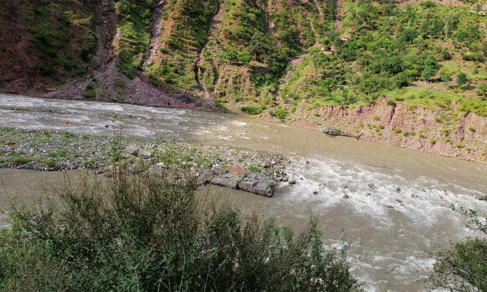 وادیٔ نیلم میں سیلاب سے تباہی، پاک فوج امداد کیلئے پہنچ گئی