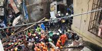 4 Dead 40 Feared Trapped After Four Storey Building Collapses In Mumbai