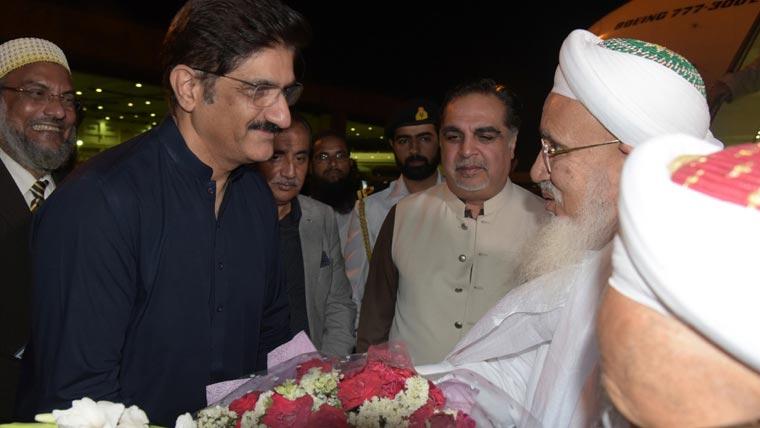 سیدنا مفضل سیف الدین کی کراچی آمد، وزیراعلیٰ نے استقبال کیا