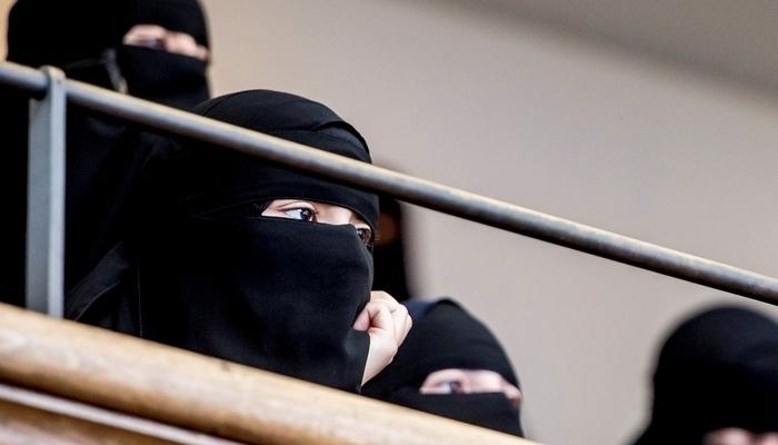 نیدرلینڈز میں برقعہ پہننے پر پابندی