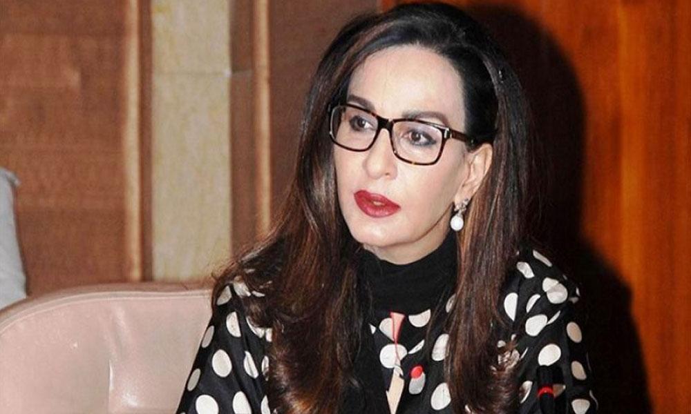 ''عمران خان کو بیرون ملک جا کر اپنی نا اہلی کا اعلان نہیں کرنا چاہئے''