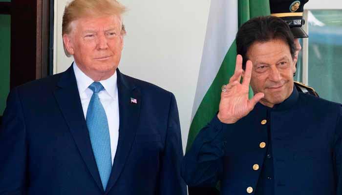 عمران خان اورٹرمپ کی وائٹ ہاؤس میں چہل قدمی