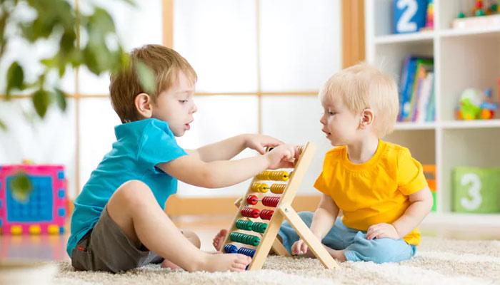 کھیل کھیل میں بچے سیکھتے بھی ہیں