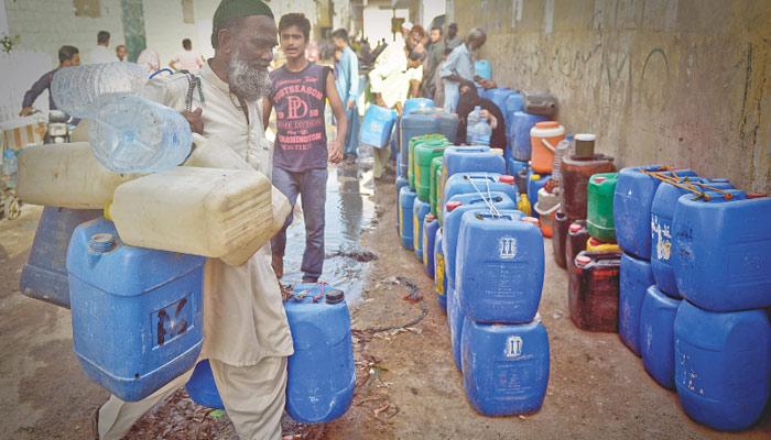 کراچی میں پانی کی قلت اور لوڈشیڈنگ ختم نہ ہوسکی