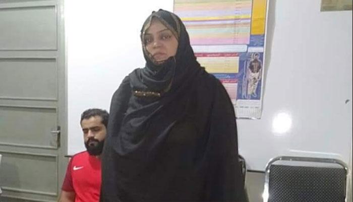 سیلز گرل پر تشدد کرنے والی خاتون گرفتار
