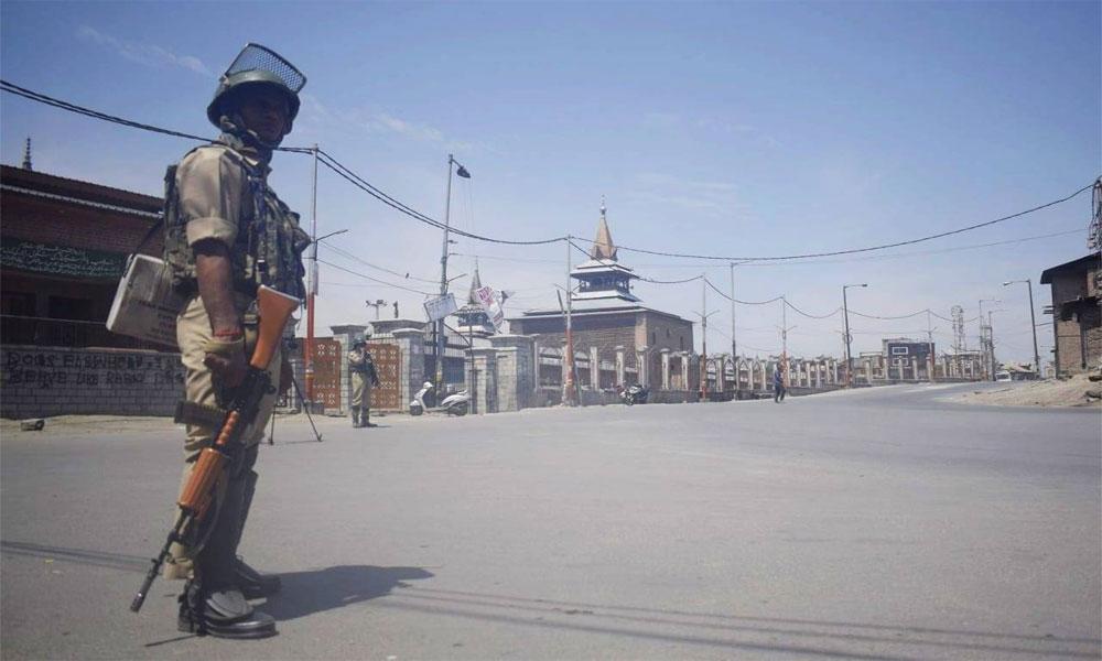 مقبوضہ کشمیر کے شہری جمعے کی نماز سے بھی محروم