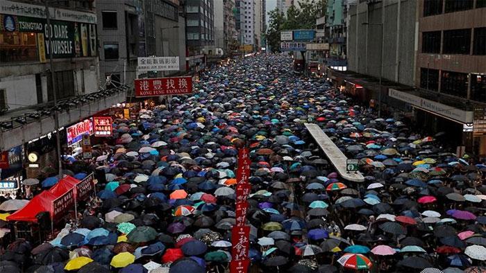 ہانگ کانگ میں حکومت مخالف احتجاج 11 ویں ہفتے بھی جاری