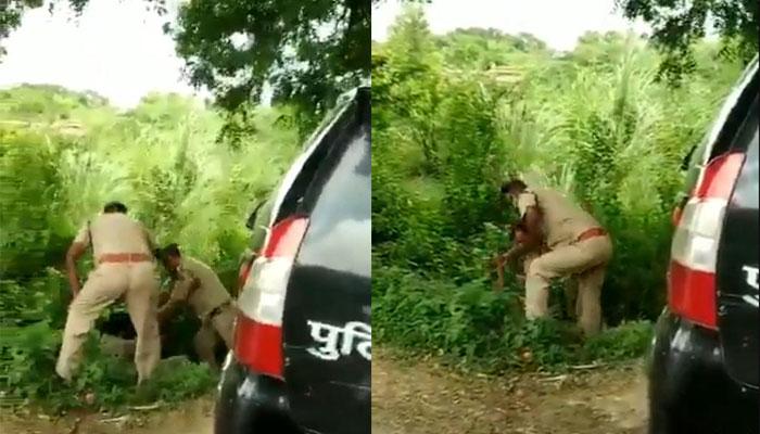 بھارتی پولیس کے 2 اہلکار اگلی سیٹ پر بیٹھنے کے لیے گتھم گتھا