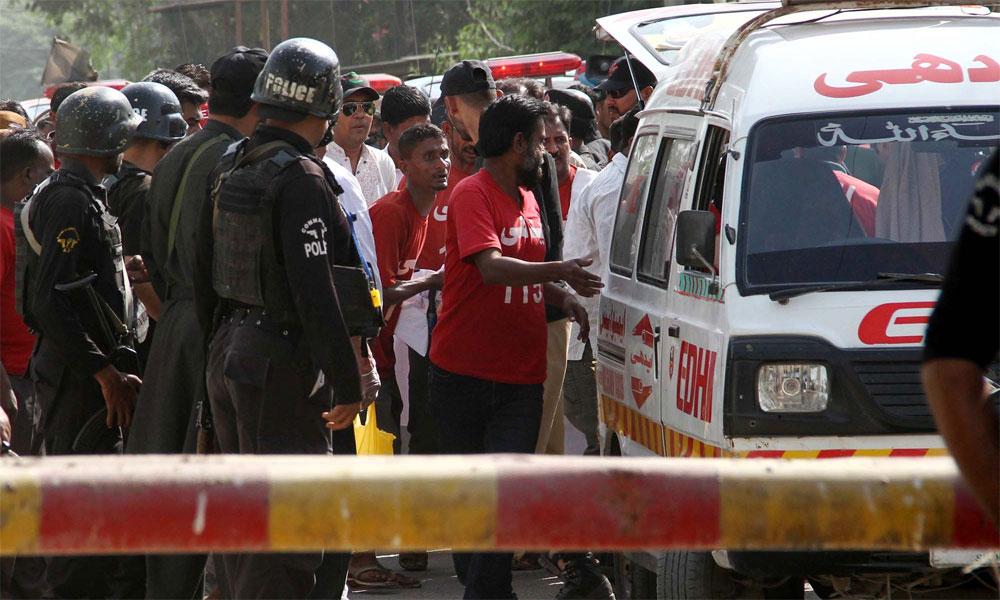 کراچی: فلیٹ سے لاش برآمد، 3ملزمان گرفتار، سرچ آپریشن