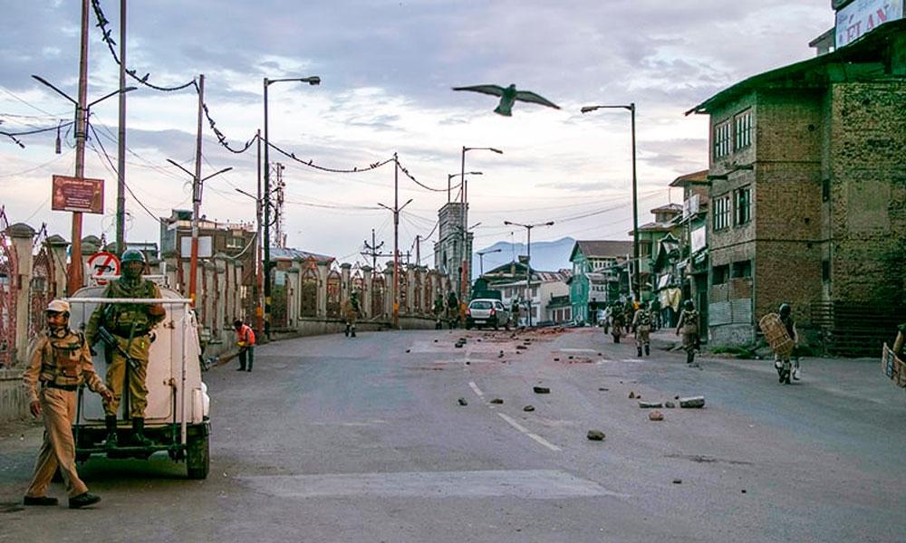 مقبوضہ کشمیر: کرفیو کا 18 واں دن، شہری شہید، 40 گرفتار