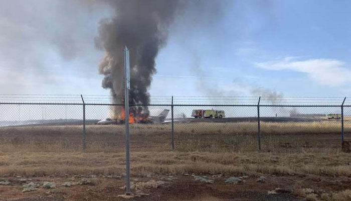 کیلی فورنیا ؛ایئرپورٹ پر طیارےمیں آگ لگ گئی