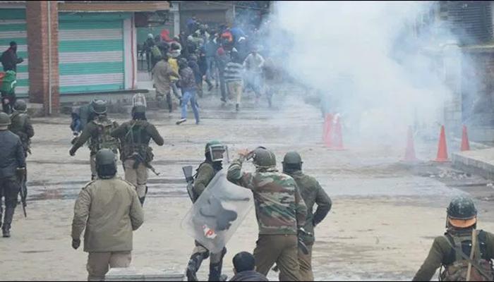 مقبوضہ کشمیر میں بھارتی پابندیوں کا 20واں روز، حالات کشیدہ