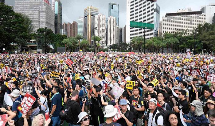 ہانگ کانگ : حکومت مخالف مظاہروں میں تیزی