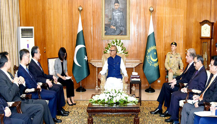 صدر مملکت، چینی وزیر خارجہ کی ملاقات میں مسئلہ کشمیر چھایا رہا